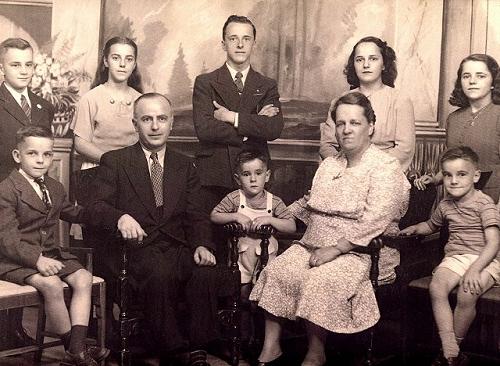 Famille d'alphonse villeneuve et rose choquet , de gauche à droite :